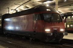 SBB Lokomotive Re 460 020 - 1 noch ohne Taufname ( Hersteller SLM Nr. 5481 - ABB - Inbetriebname 1993 - Elektrolokomotive Triebfahrzeug ) am Bahnhof Bern im Kanton Bern der Schweiz (chrchr_75) Tags: christoph hurni chrchr75 chrchr chriguhurni chriguhurnibluemailch märz 2018 schweiz suisse switzerland svizzera suissa swiss