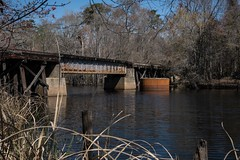 DSC_5176 (Copy) (pandjt) Tags: roadtrip unitedstates usa southcarolina conway conwaysc riverwalkpark riverwalk park boardwalk waccamawriver railwaybridge bridge