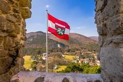 The flag of castle ruin Mödling (a7m2) Tags: burgruine mödling loweraustria history culture travel wandern wienerwald