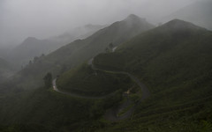 ¿Te gustaría conducir ese coche? (Monroy Jose) Tags: peligro invierno niebla soledad belleza