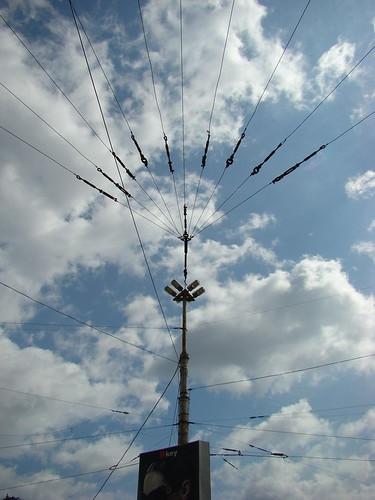 Столб-опора контактной сети трамвая ©  ayampolsky