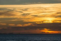 Amanecer desde La Gomera (Tom Neumann) Tags: canarias gomera sunrise sky sea water ocean colours shade