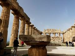 _1360640 Selinunte (27) (archaeologist_d) Tags: sicily italy selinunte archaeologicalsite archaeologicalruins greekruins 409bc 5thcenturybc templee templeofhera