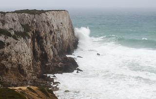 Crashing waves at Praia do Beliche