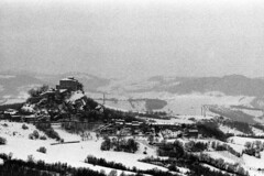Rossena - Canossa (Reggio Emilia) - February 2018 (cava961) Tags: winter snow analogue analogico monocromo monochrome bianconero bw
