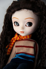 Tomhet (Naekolyset) Tags: pullip pullips doll dolls pullipdoll junplanning groove pullipanneshirley anneshirley pullipassa assa headphones dreadlocks rasta portrait brown eyes browneyes redhead blueeyes freckles forest bokeh woods nature green trees calm quiet flowers toy toys