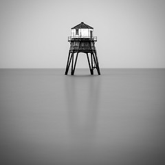 Dovercourt (Distinctly Average) Tags: phillluckhurst distinctlyaverage wwwdistinctlyaveragecouk seascape landscape lighthouse essex dovercourt water londexposure 10stopfilter 1755 canon 7dmark2 monochrome blackwhite