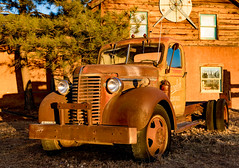 rusted sunset (.sanden.) Tags: oldtruck rust sunset warm newmexico taos canon7dmarkii ef24105mm chevrolet nm unitedstates sanden us windows