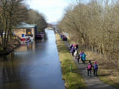 Ramblers by Forth & Clyde Canal, Bantaskine (luckypenguin) Tags: scotland falkirk camelon tamfourhill bantaskine ramblers walking forthandclydecanal canal canalmagic