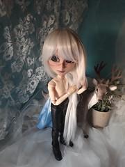 Enredos en el pelo (Lunalila1) Tags: doll groove taeyang mio custo custom fc undertaker nepenthe sutura workshop frozen concurso pullipscom makingoff making elsa
