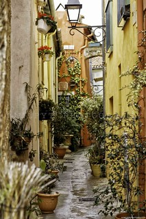 Street in the city of Menton - Frenchriviera