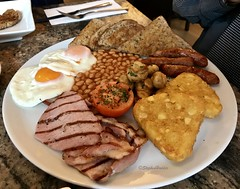 TheFullEnglish (Hodd1350) Tags: bournemouth dorset westbourne restaurant dining fullenglish breakfast bacon beans eggs tomatoes toast sausages hashbrowns mushrooms cutlery iphone iphone7
