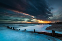 Sunset at Kingston Gorse, Sussex (E_W_Photo) Tags: kingstongorse ferring worthing sussex uk sunset sea beach groyne wave tide clouds canon 80d sigma 1020mm leefilters