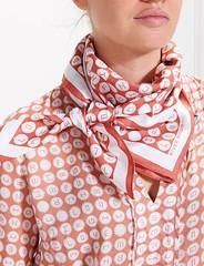 River Woods n°323 (Blouse et Foulard 2) Tags: blouse foulard river woods silk scarf