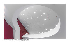 stairway to the stars (H. Roebke) Tags: 2018 canon1635mmf28lisiii de canon5dmkiv color art germany treppe highkey caldersaal kunst room architektur museum stairs hannover architecture raum weiss sprengelmuseum lightroom white