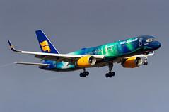 TF-FIU Icelandair Boeing 757-256 (buchroeder.paul) Tags: bikf kef keflavik international airport iceland tffiu icelandair boeing 757256