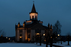 Blue hour church... (stefanh.varberg) Tags: kungsäter byggnad kyrka skymning church bluehour