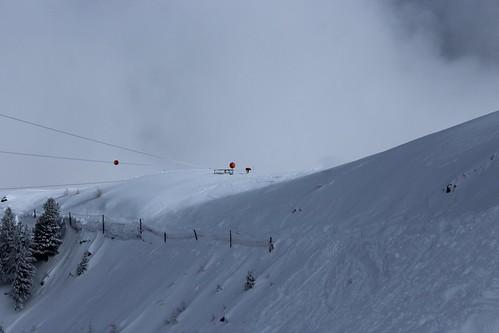 le skieur et la tyrolienne