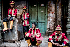 Boys in the Band-DSC_1739 (thomschphotography3) Tags: india asia men kolkata calcutta kalkutta oldmen musicans uniforms streetphotography group
