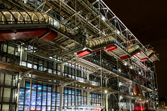 Beaubourg (Rudy Pilarski) Tags: nikon tamron d7100 18270 architecture architectura color couleur colour city ciudad ville verre métal urbain urban urbano europe paris france nuit night longuepose moderne modern geometry geometrie géométria line ligne light lumière beaubourg abstract abstrait rouge blue bleu red façade
