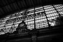 Hauptbahnhof Station (Sam García GA.) Tags: frankfurt germany europe blackandwhite station clock window