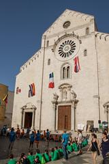 IMG_2911.jpg (Bri74) Tags: architecture bari cattedraledisansabino church people puglia