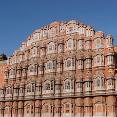jaipur colors (3) (kexi) Tags: jaipur rajasthan india asia square sky blue architecture hawamahal pinkcity pink orange palaceofwind palace palaceofbreeze famous ancient sandstone intricate windows canon february 2017 instantfave hccity oldcity