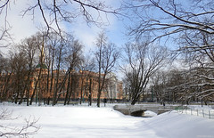 Mikhailovsky Gardens (peterphotographic) Tags: p3210234edwm mikhailovskygardens olympus tg5 tough ©peterhall stpetersburg saintpetersburg russia росси́я санктпетербу́рг part garden winter snow ice freeze frozen cold bridge