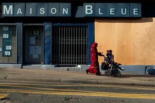 C'est une maison bleue... Maxime ( serie walkers )
