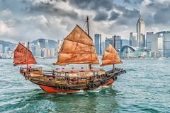 Hongkong Cruiser (**capture the essential**) Tags: 2017 architecture centralplaza fotowalk hongkong hongkongconventionandexhibitioncenter sonya7m2 sonya7mii sonya7mark2 sonya7ii sonyfe2470mmf4zaoss sonyilce7m2