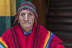 Don Miguel (_aires_) Tags: aires iris man oldman poncho chullo colour colourful stairs entrance doorway portrait canoneos5dmarkiv canonef2470mmf28liiusm lima downtownlima limaperu