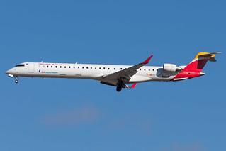 Air Nostrum / CRJ1000 / EC-LJT / LEMD 32L