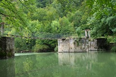 Aribe. Puente colgante sobre el Irati. (Explore) (J Carrasco (mundele)) Tags: aezkoa navarra pirineos