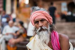 Sadhu on the ghats (Sessiongraff) Tags: inde varanasi india portrait monk holy sadhu