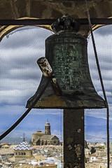 Un campanario visto desde otro (Ignacio M. Jiménez) Tags: belltower campanario campana bell metal enmarcado frame ignaciomjiménez nubes clouds elsalvador ubeda jaen andalucia andalusia españa spain