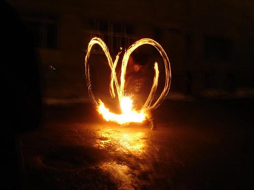 Огненное шоу на фестивале «Не темно»