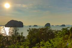 Sunset in the Tha Lane Bay. (Gergely_Kiss) Tags: thalanebay sunsetthalanebay krabi sunset thailandvacation thailandholiday andamansea thaibeaches lagoon cliffsinthesea rockformations thailand aothalane