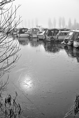 Silence and Stillness (simonannable) Tags: ice sawleymarina winter boats fujifilmxt1 stillness mist fog misty foggy earlymorning dawn fujifilm27mm sun reflection dead