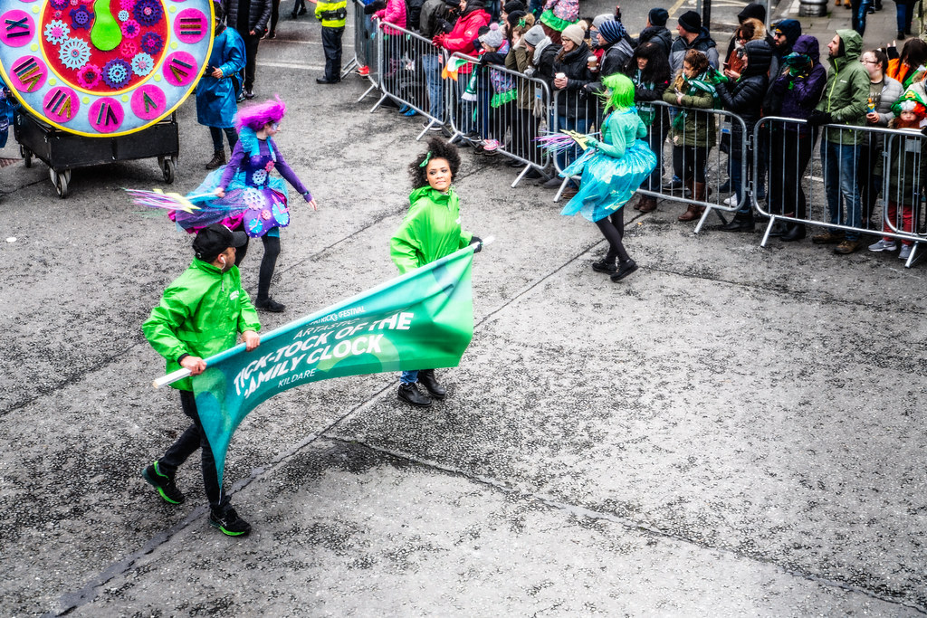 ARTASTIC - TICK TOCK OF THE FAMILY CLOCK [DUBLIN PARADE 17 MARCH 2018]-137689