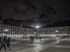 Plaza Mayor (FloBue) Tags: 2018 madrid spain spagna spanien plazamayor piazza platz square nacht notturno night city cityscape stadt stadtansicht città architettura architektur architecture
