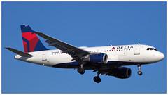 N318NB (gankp) Tags: ronaldreagannationalairport dca airplanespotting arrivals delta a319