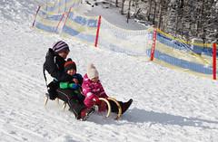 Rodeln im Winter (Naturpark Almenland) Tags: almenland naturpark steiermark oststeiermark urlaub alm teichalm sommeralm winter wintersport natur