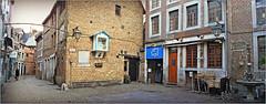 Rue Roture, Liège, Belgium (claude lina) Tags: claudelina belgium belgique belgïe liège luik architecture roture maisons houses fontaine potale