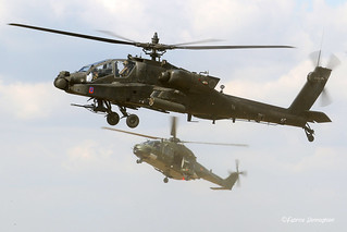 US Army AH-64D Apache with in the background a Belgian Army NH-90