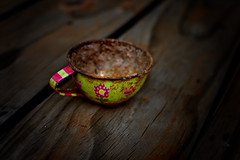 Not my cup of tea. (roanfourie) Tags: nikon d3400 nikkor 35mm f18 dx dslr flickr flick southafrica africa randfontein photography raw gimp day outdoors march202018 march 2018 teatime lomo cup wood art