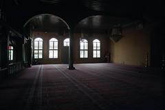 17th century Cumalıkızık Mosque - Bursa (mesutsuat) Tags: bursa cumalikizik pentax k1000 fujifilm c200 35mm vivitar 28mm f28 color negative