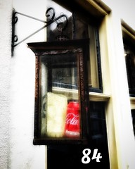 Dag 84  #365photochallenge #day84 #2018 #photoaday #photoeveryday #365project #project365 #dailypic #dailyphoto #cocacola #red #lantern #deventer #snapseed (amlammers) Tags: 365photochallenge day84 2018 photoaday photoeveryday 365project project365 dailypic dailyphoto cocacola red lantern deventer snapseed