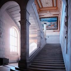 Escaliers et coursives (thierrybalint) Tags: escaliers palais longchamp musée museum beauxarts marseille lumière contrejour