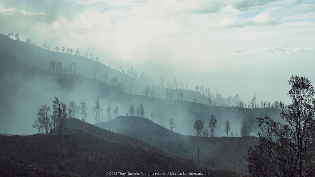 Bình minh mờ ảo ở Mt.Ijen
