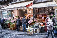 Pignasecca, Naples (FedeSK8) Tags: fedesk8 federicoscotto federicoscottophotography fujifilmxm1 italia napoli pignasecca produce store fedescotto